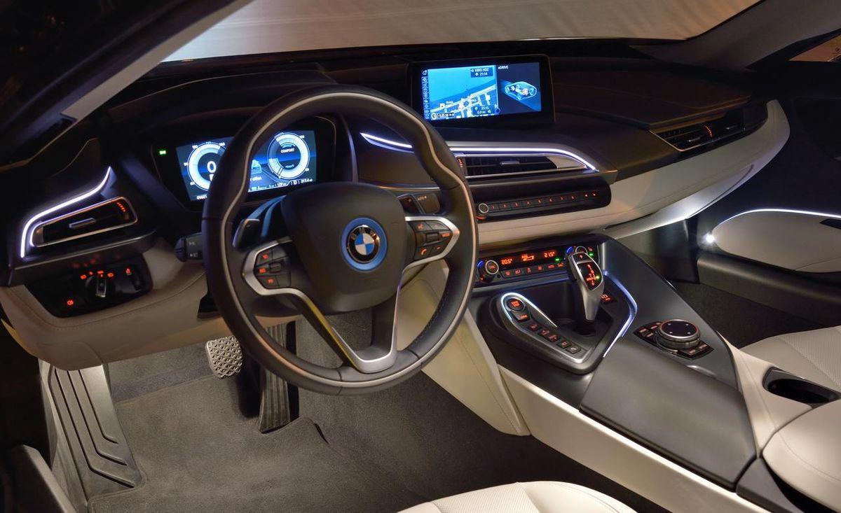 BMW-Serie-8-2018-Interieur